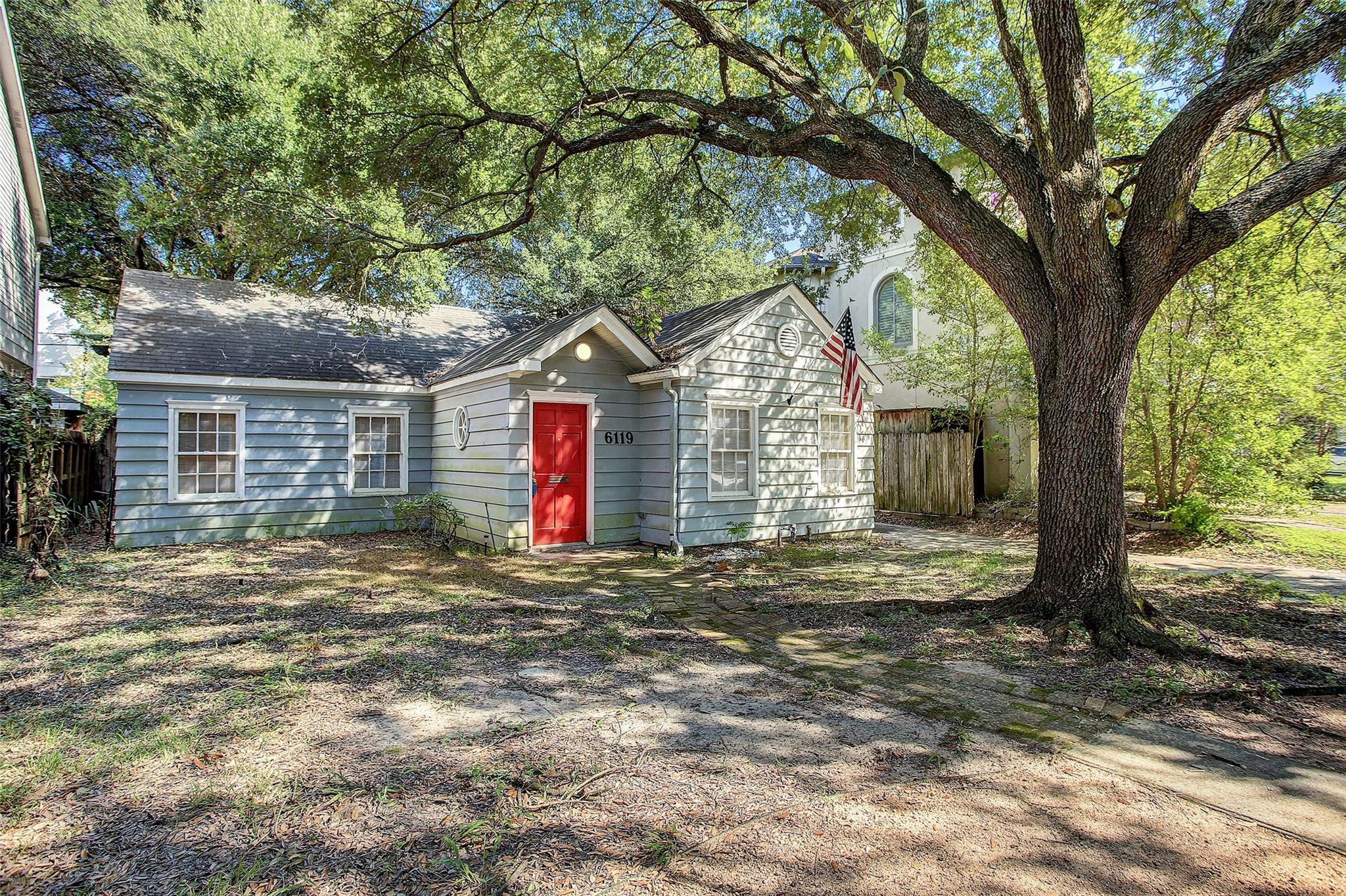 6119 Lake Street Property Photo