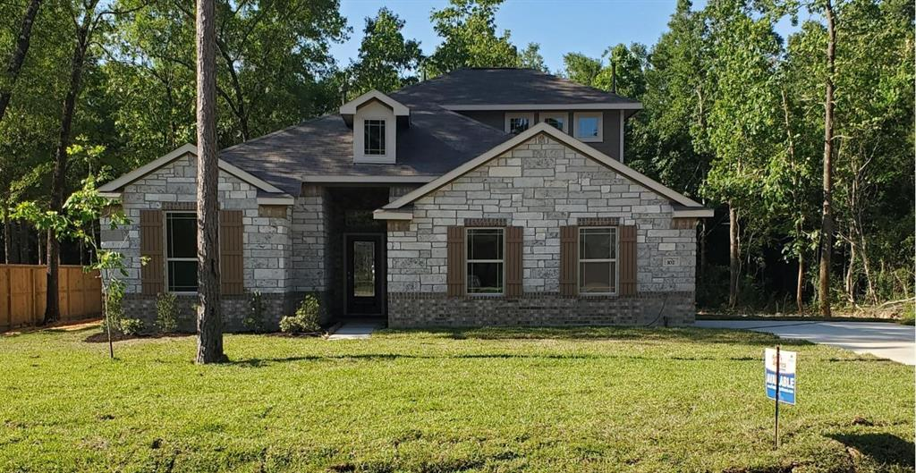 402 Kickapoo Drive Property Photo - Anahuac, TX real estate listing