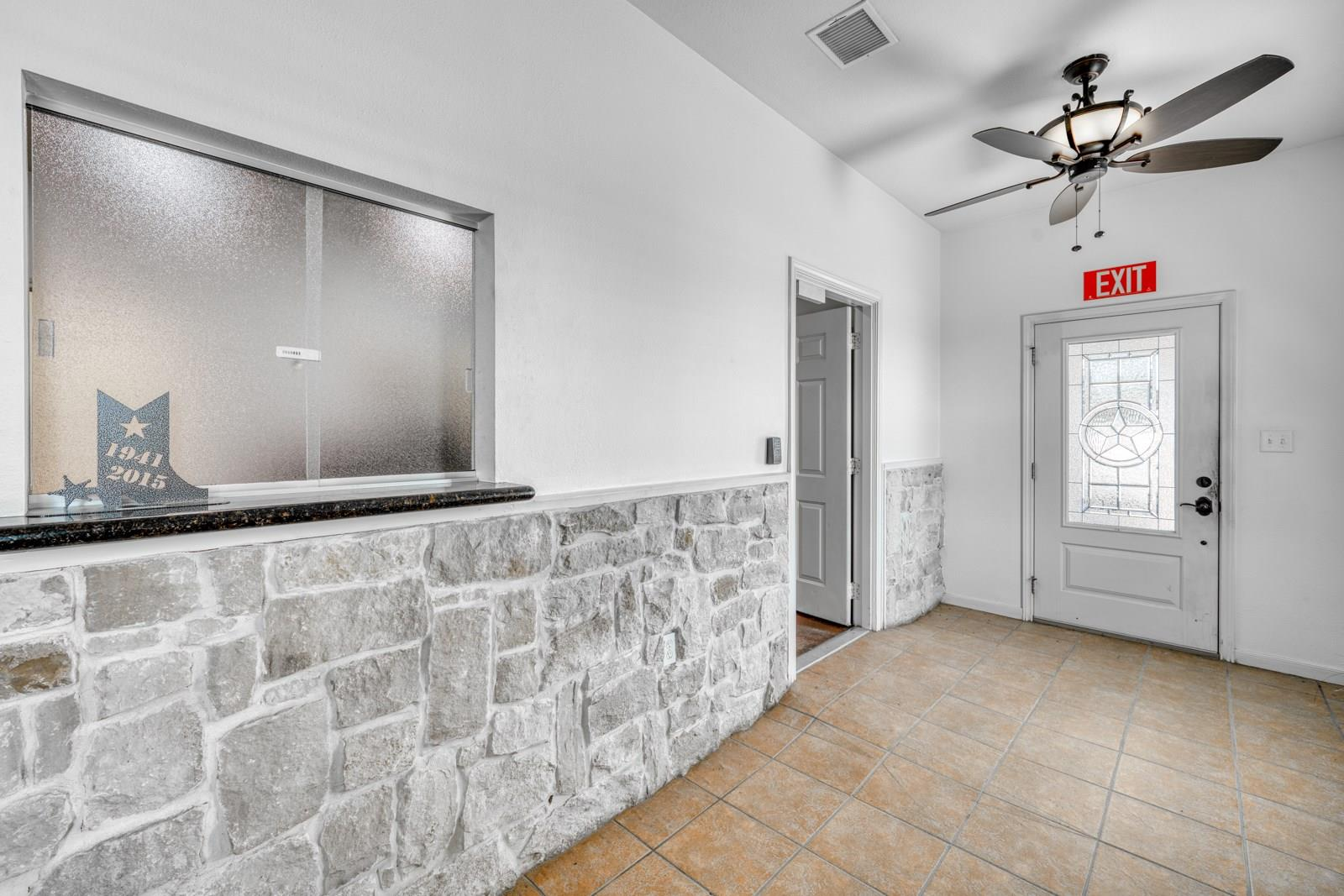 12745 Highway 21 W Property Photo - Midway, TX real estate listing