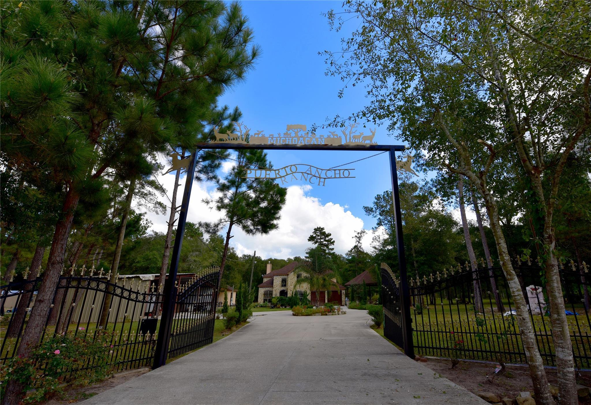 826 Oak Bend Loop Property Photo 1