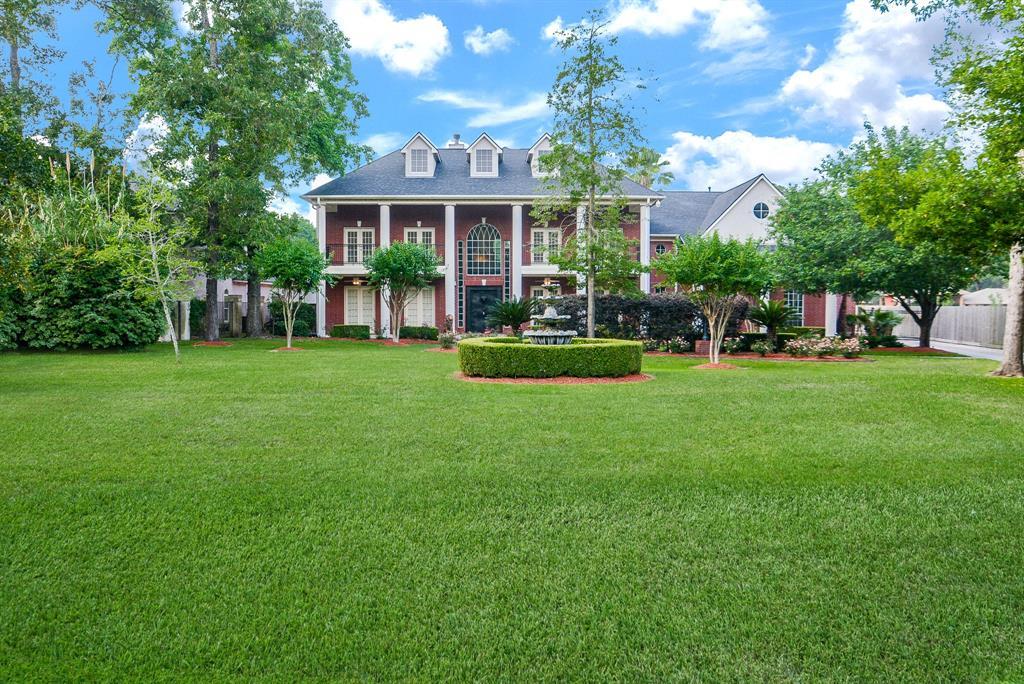 20102 Pinehurst Trail Drive Property Photo - Humble, TX real estate listing