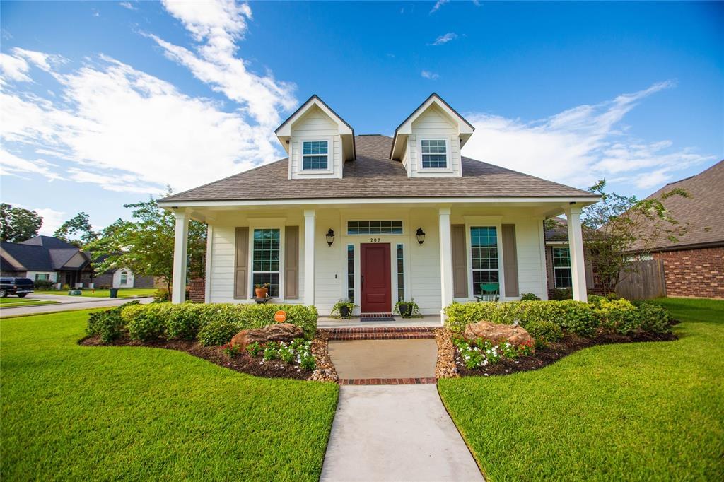 207 Jefferson Street, Clute, TX 77531 - Clute, TX real estate listing