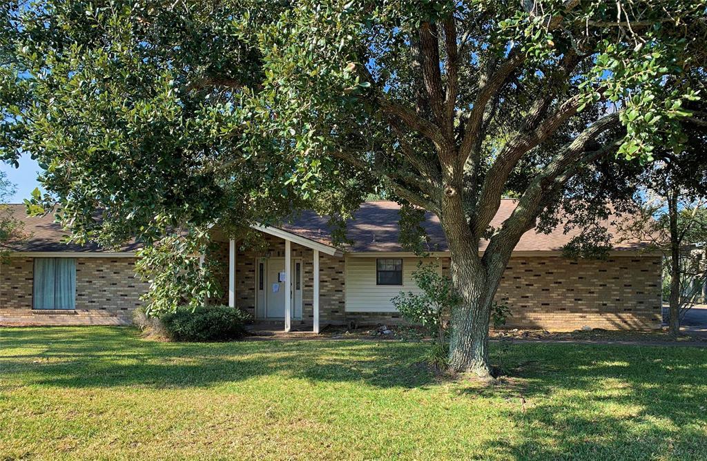 1046 Thornton Lane, Eagle Lake, TX 77434 - Eagle Lake, TX real estate listing