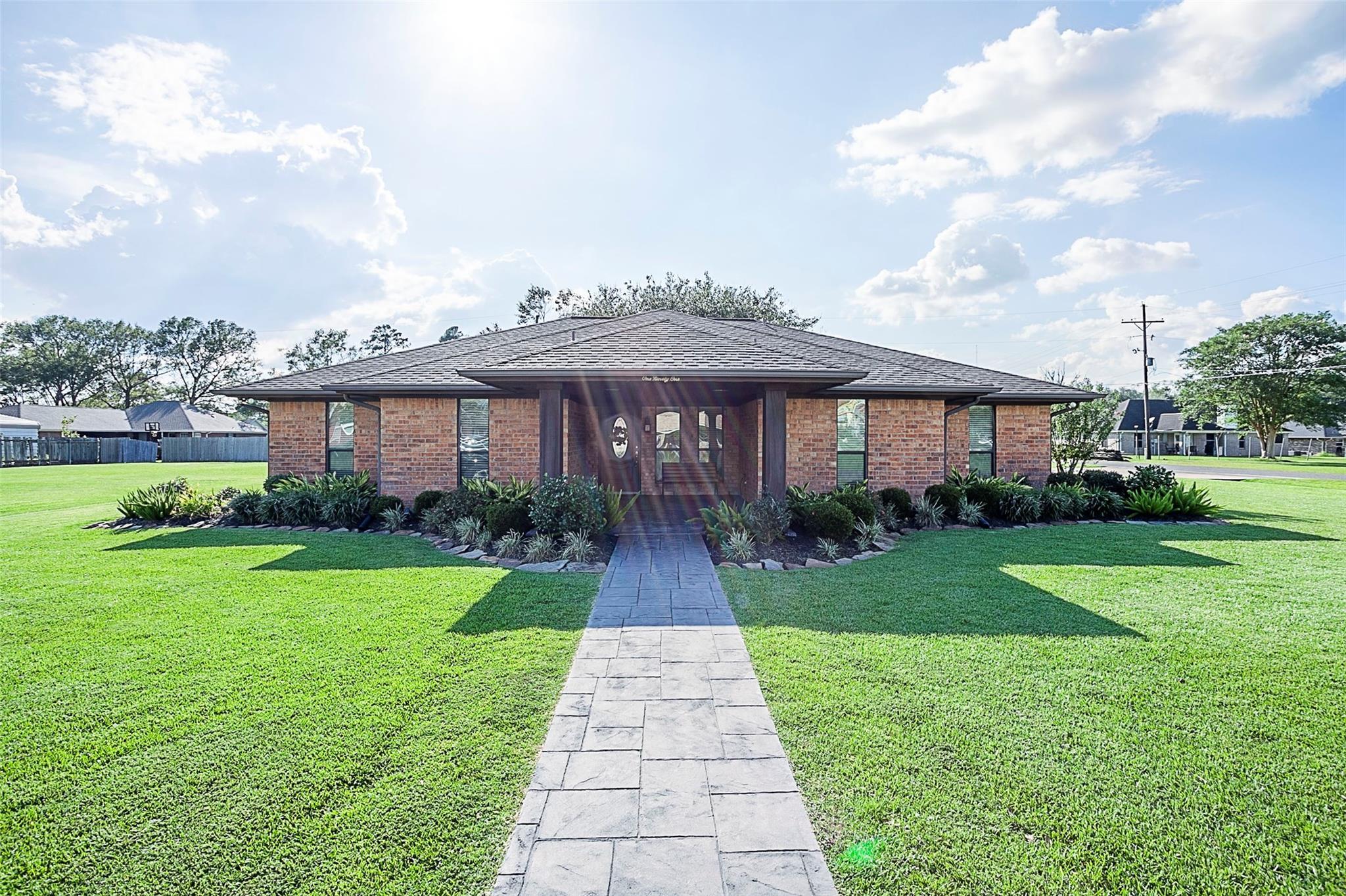 191 Poinsettia Street Property Photo - Bridge City, TX real estate listing