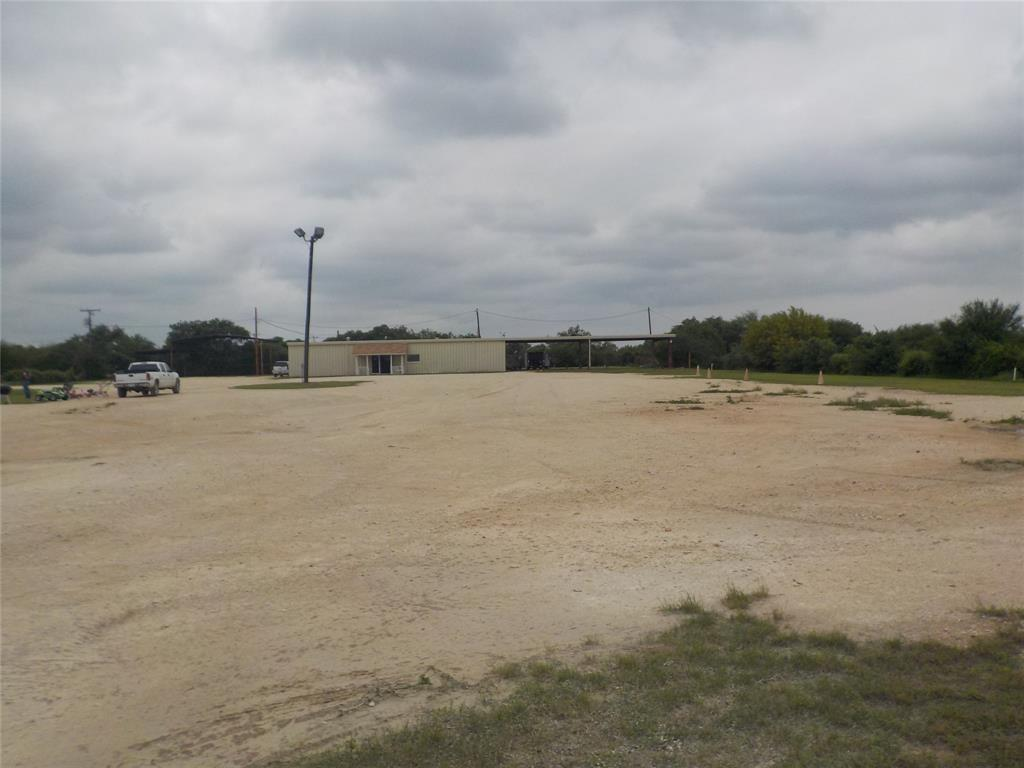 828 S Bi 35d Highway S Property Photo - Dilley, TX real estate listing