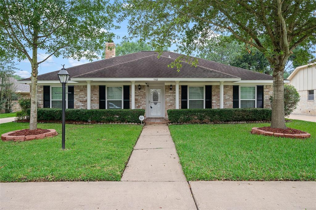 9102 Tavistock Drive Property Photo - Houston, TX real estate listing