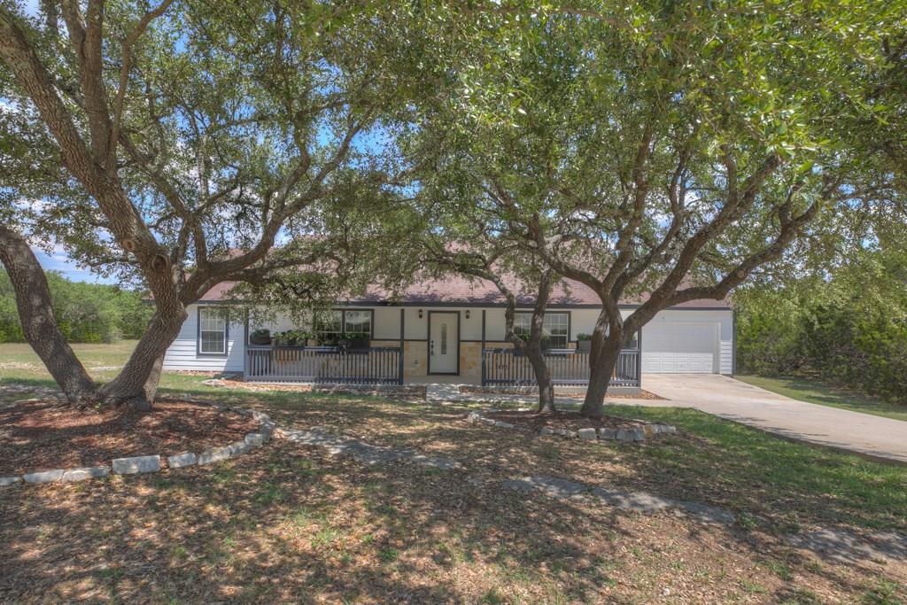 1423 Scenic View Drive Property Photo - Canyon Lake, TX real estate listing