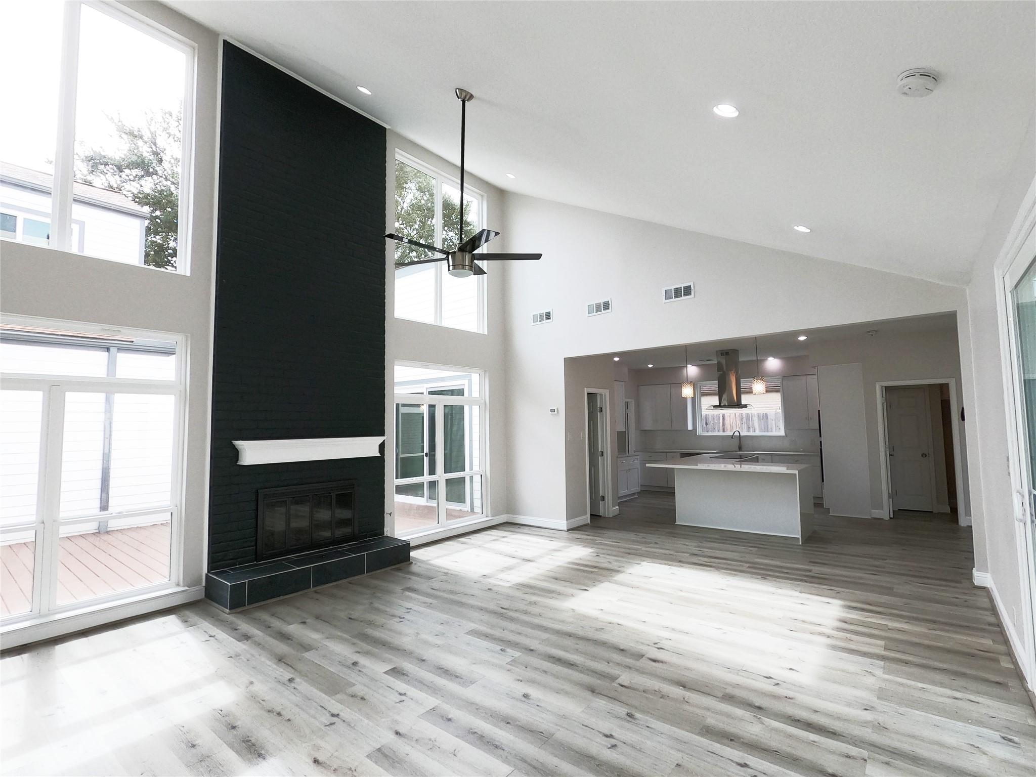 7607 Bankside Drive Property Photo - Houston, TX real estate listing