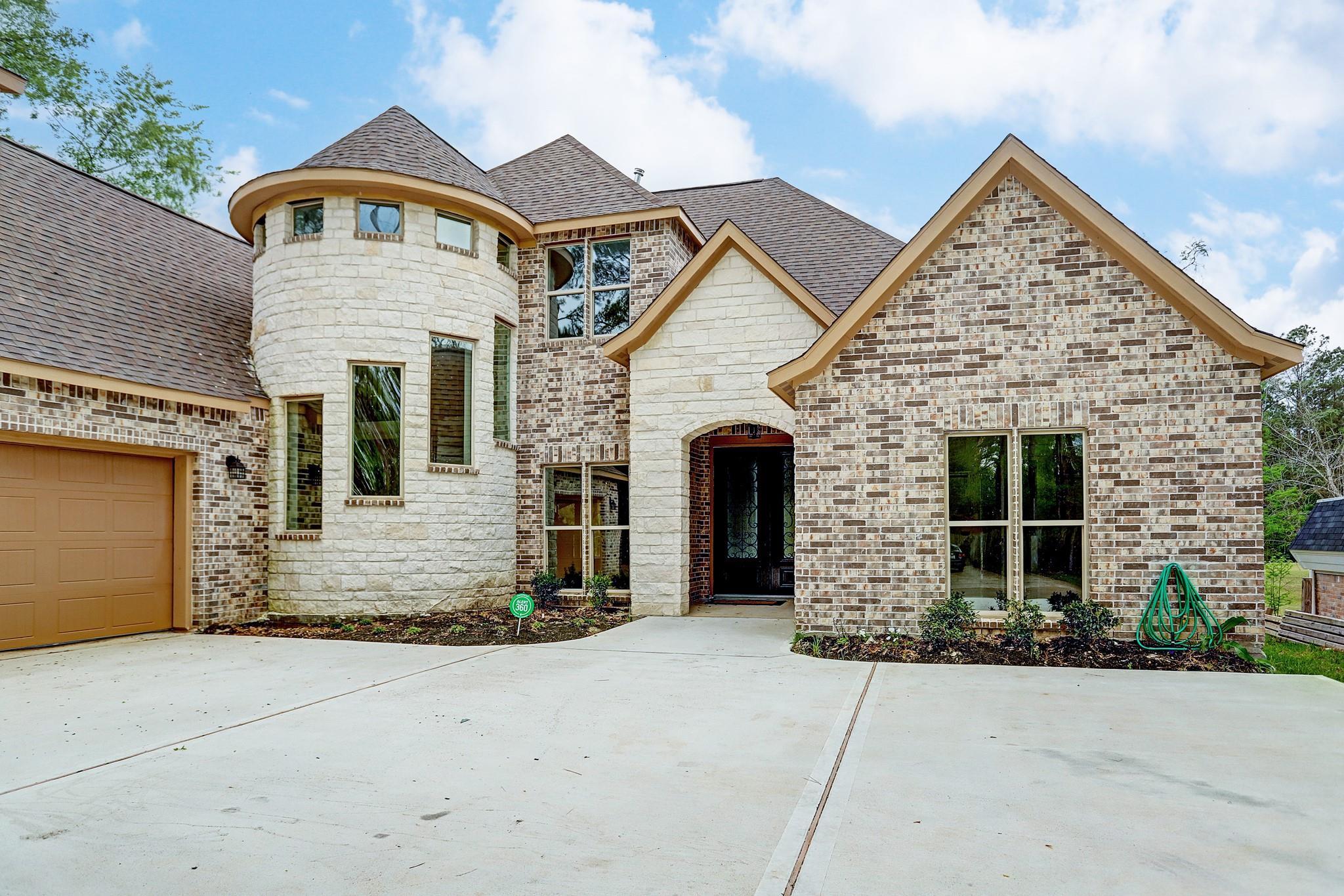 565 Brandon Road Property Photo 1