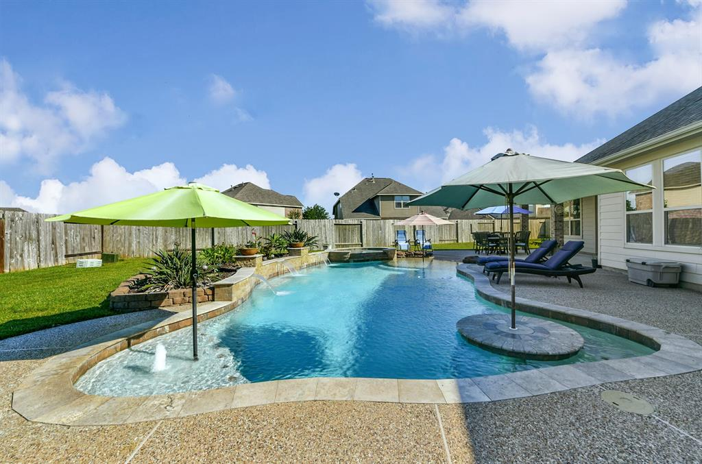 1533 Cross Stone Court Property Photo - Houston, TX real estate listing