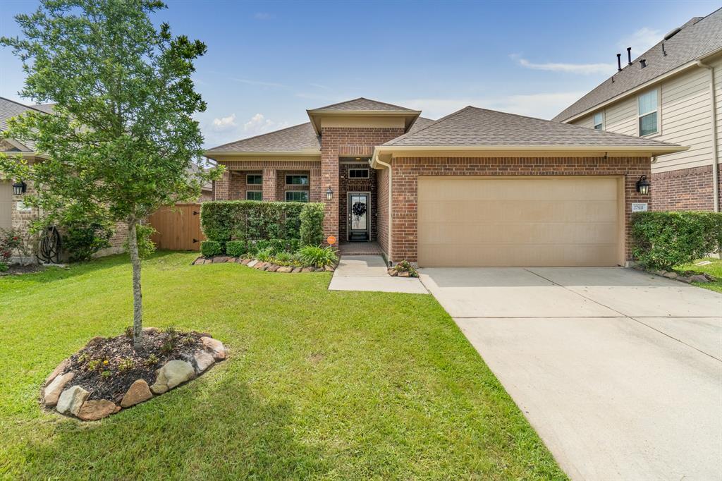 27911 Hendrix Park Drive Property Photo - Spring, TX real estate listing