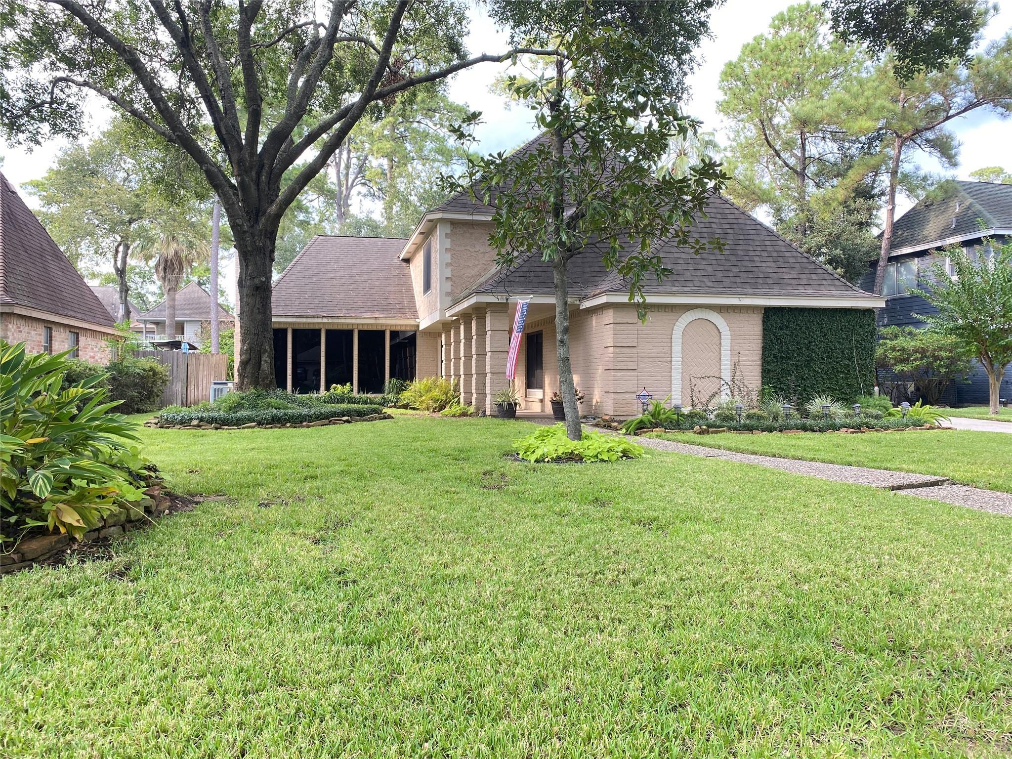 3606 Windbriar Court Property Photo - Houston, TX real estate listing