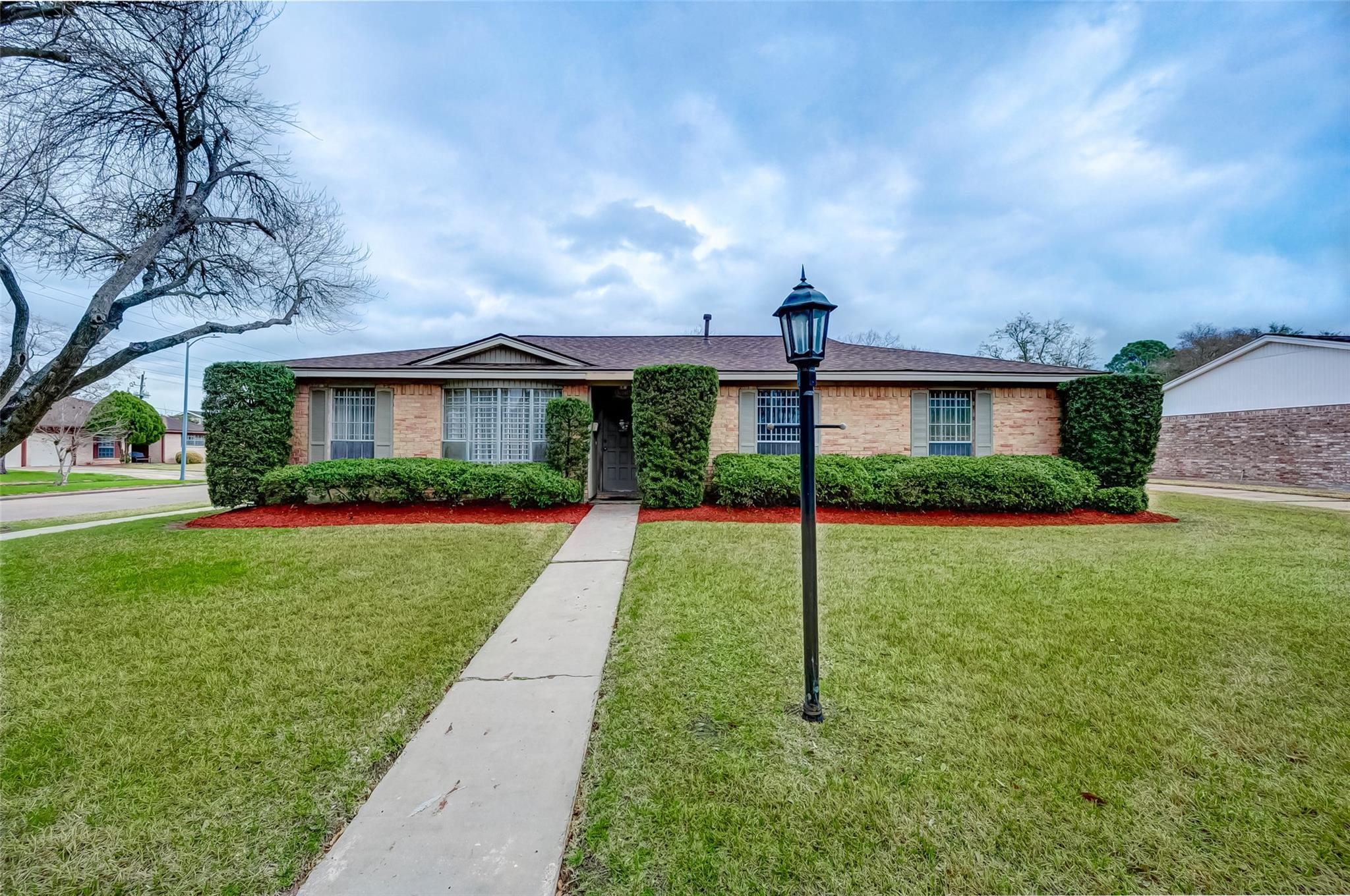 10503 Raydell Drive Property Photo - Houston, TX real estate listing