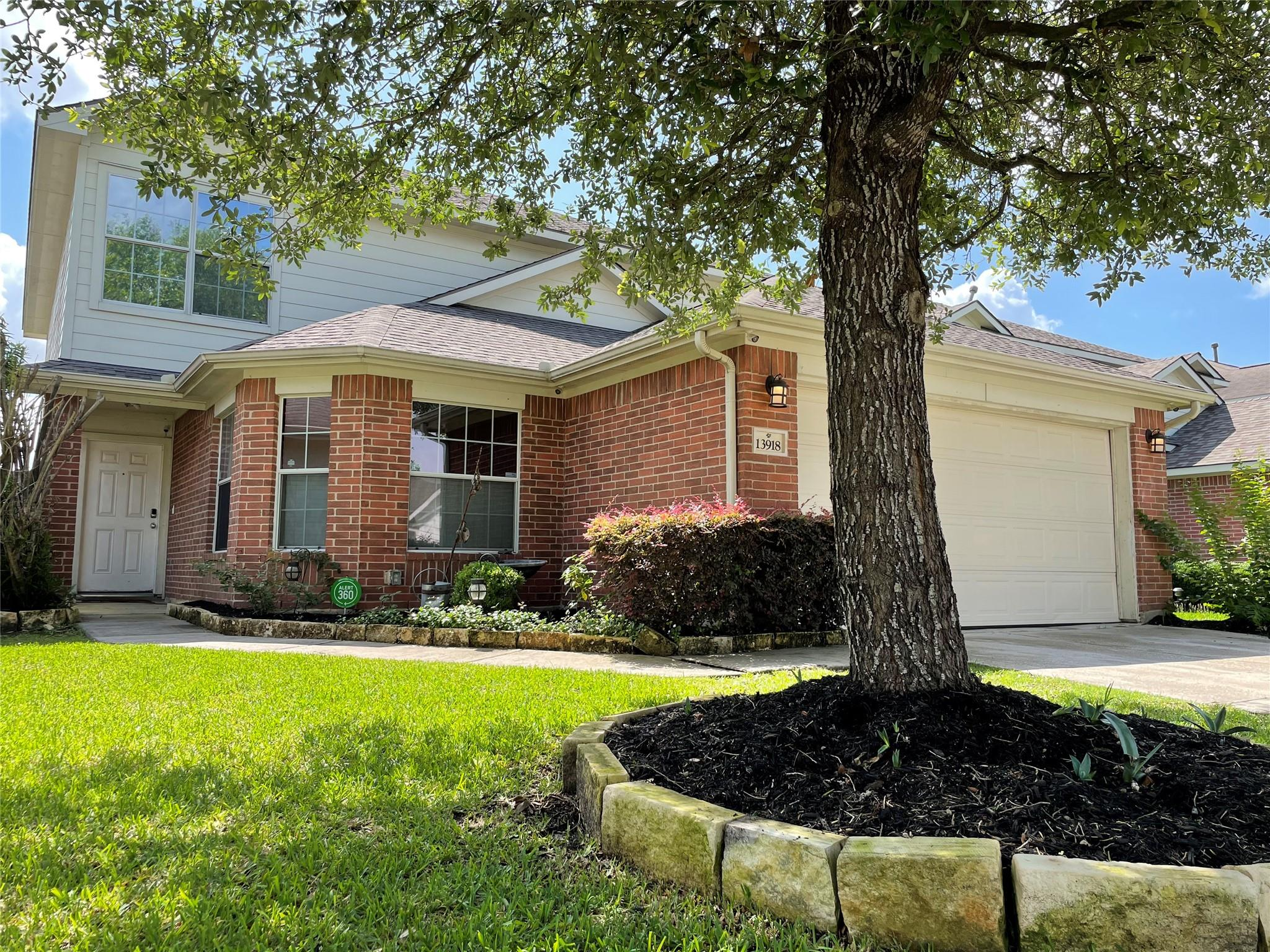 13918 Marners Court Property Photo