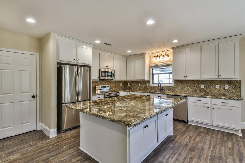 2735 25th Street, Hempstead, TX 77445 - Hempstead, TX real estate listing