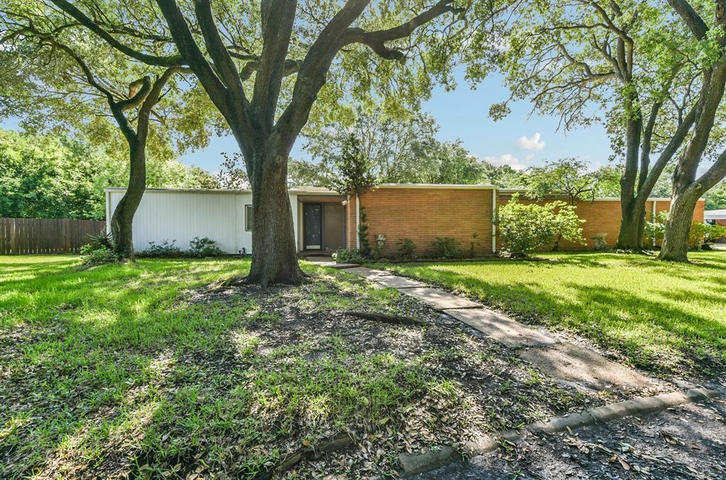 2305 Redwinn Drive Property Photo - Pasadena, TX real estate listing