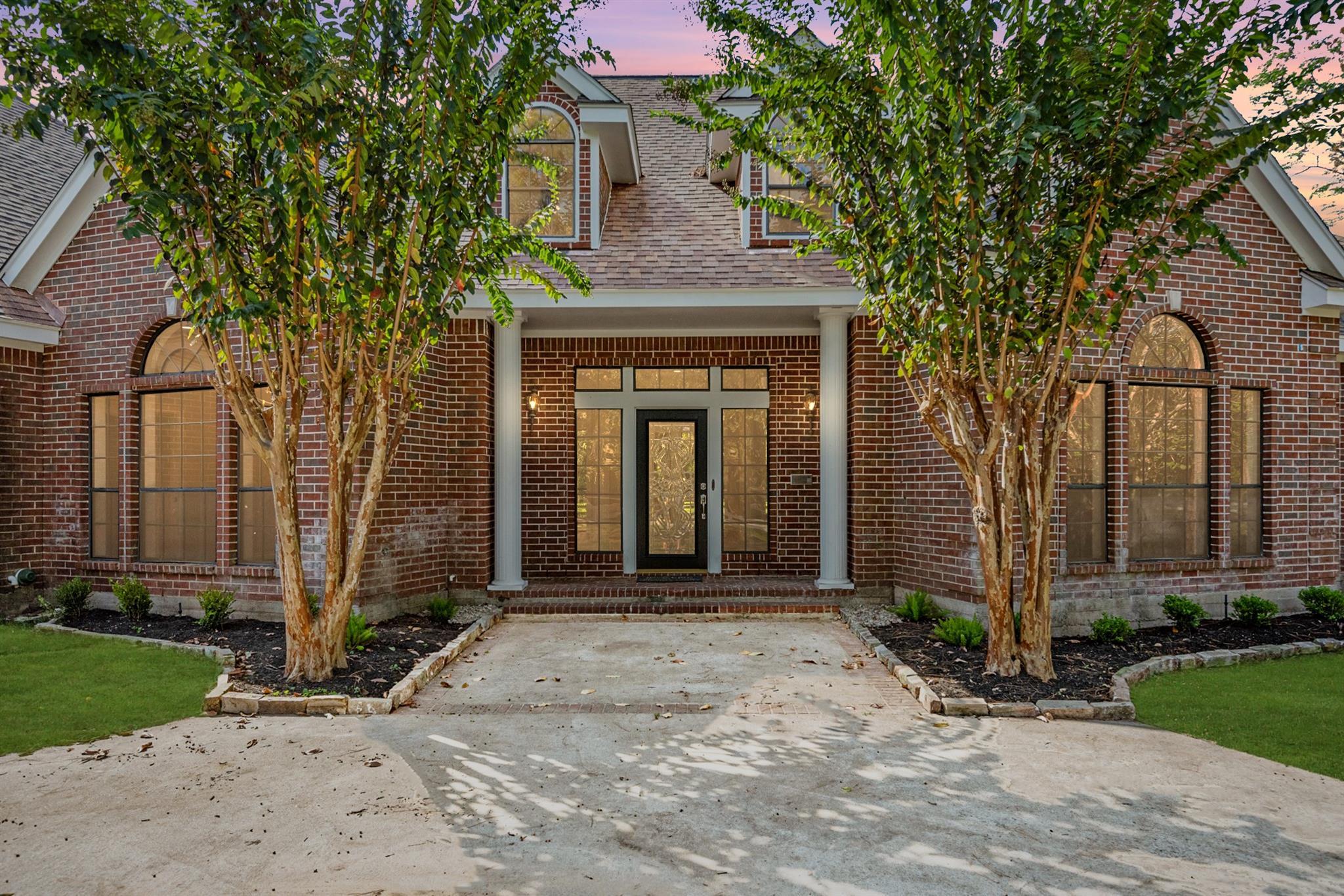 5300 Silverbelle Lane Property Photo