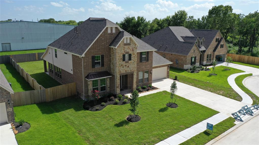 8028 Serenity Drive Property Photo - Pearland, TX real estate listing
