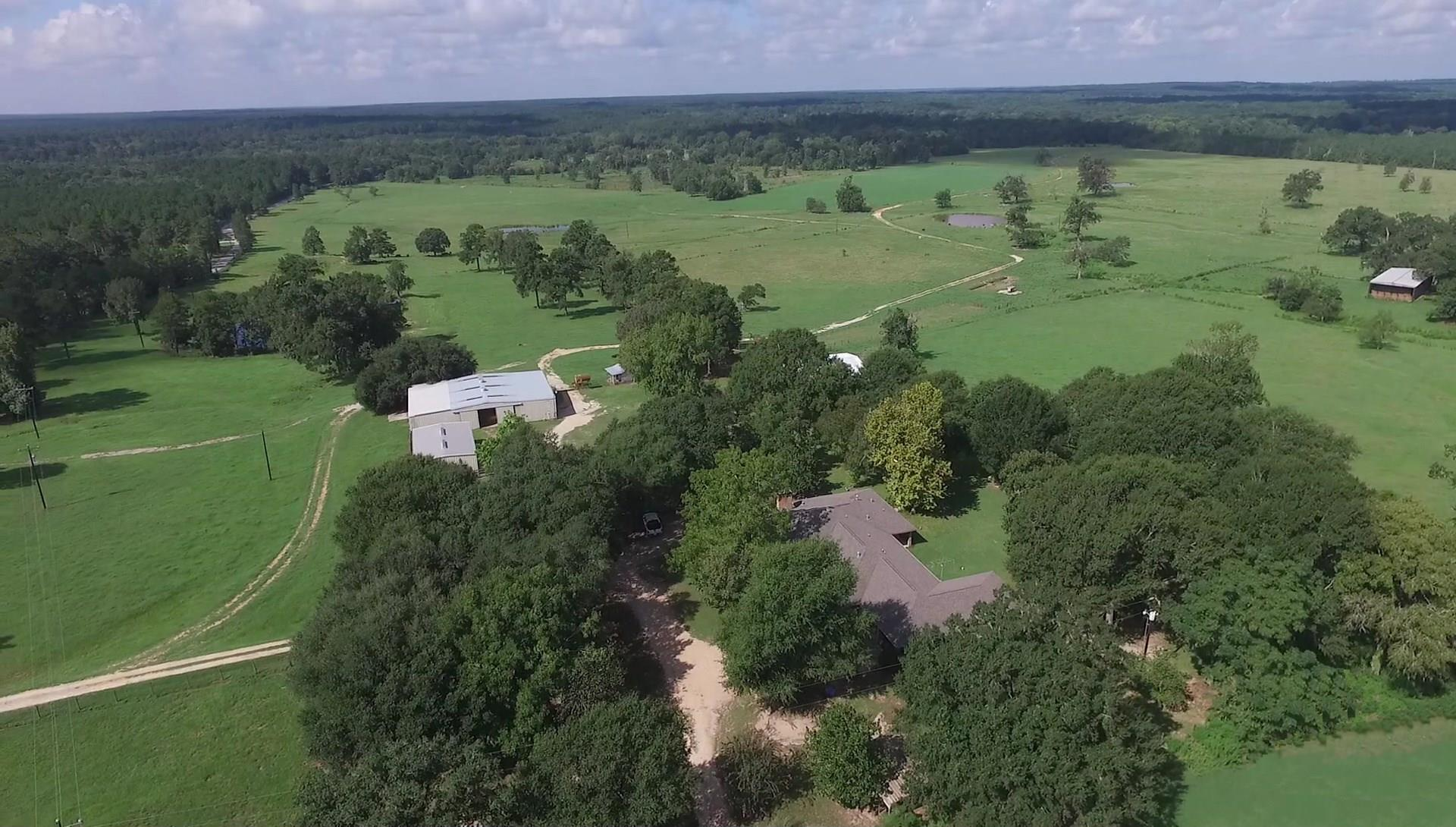 1840 N Butch Arthur Road Property Photo - Coldspring, TX real estate listing