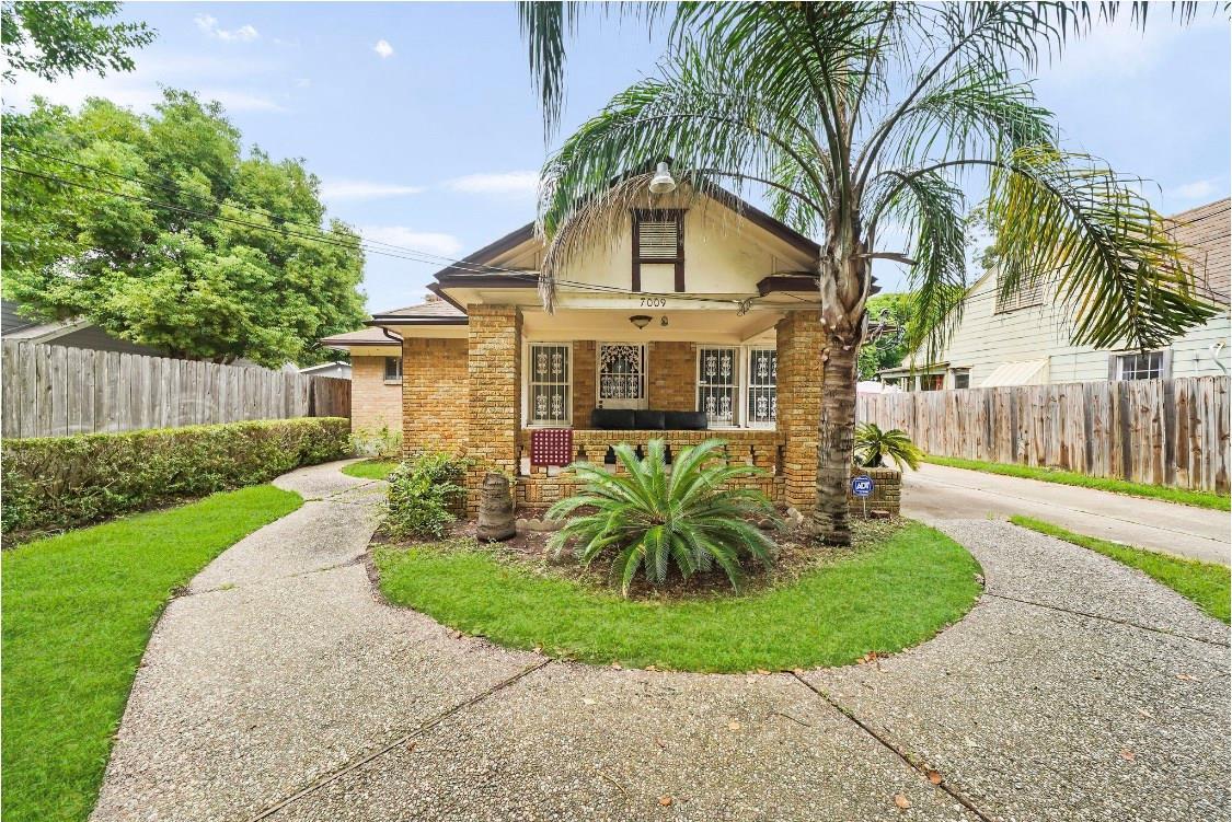 7009 Vandeman Street Property Photo - Houston, TX real estate listing