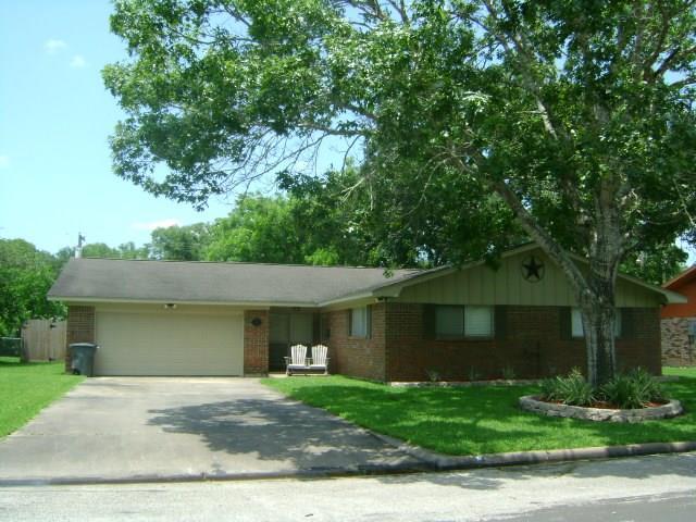 2825 Del Monte Avenue, Bay City, TX 77414 - Bay City, TX real estate listing