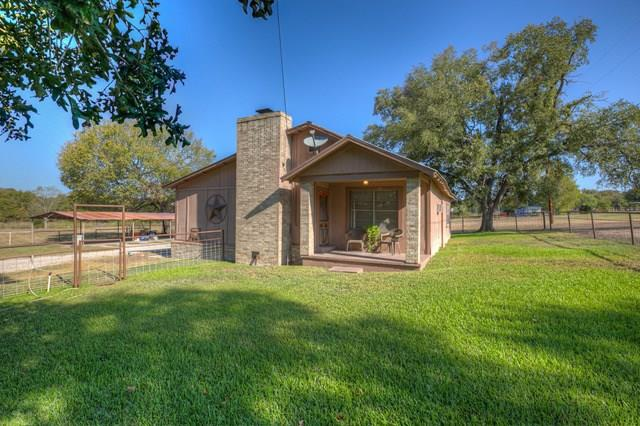 1390 Austin Road Property Photo - Luling, TX real estate listing