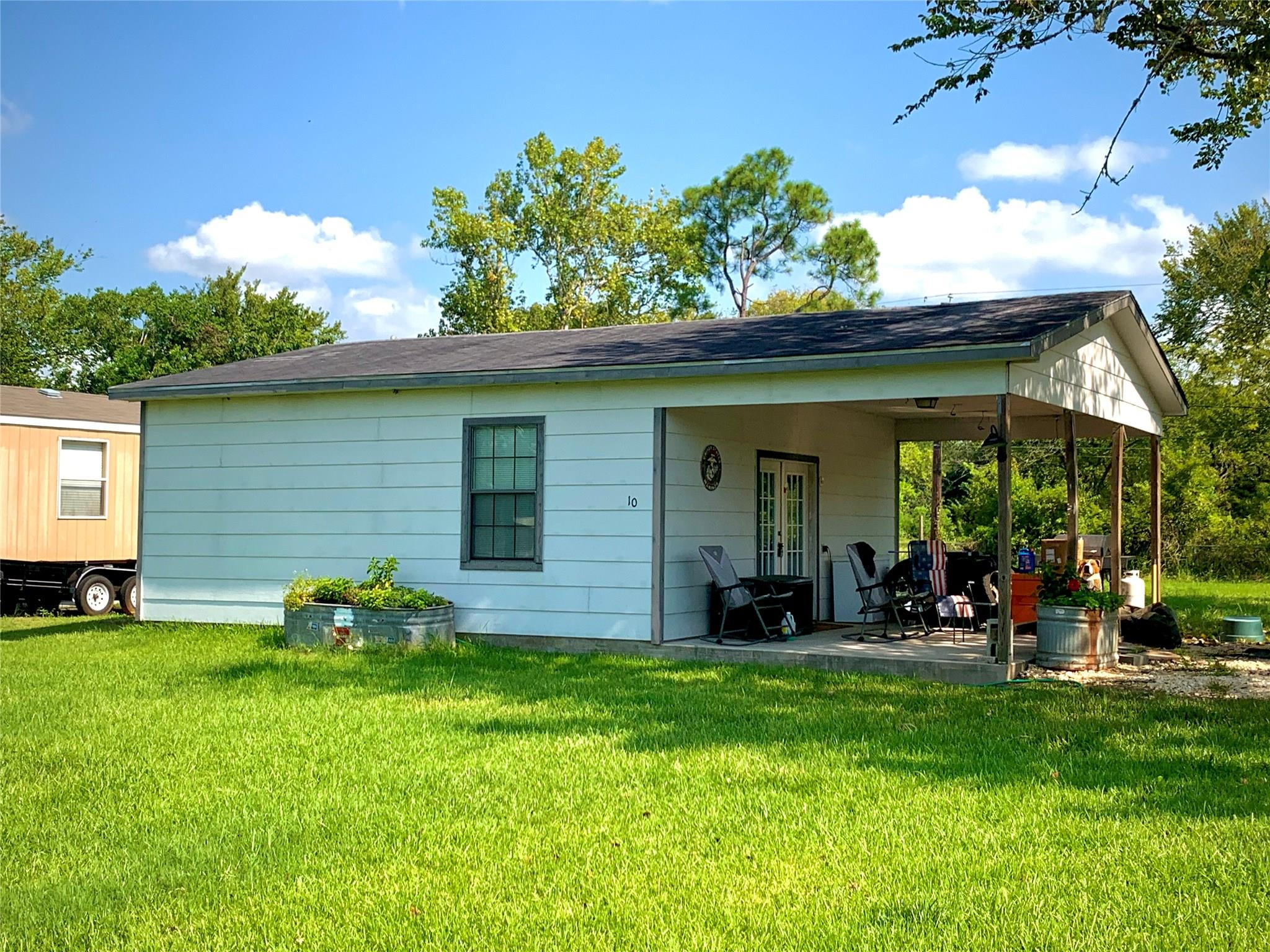 10 Burke Court Property Photo - Jones Creek, TX real estate listing