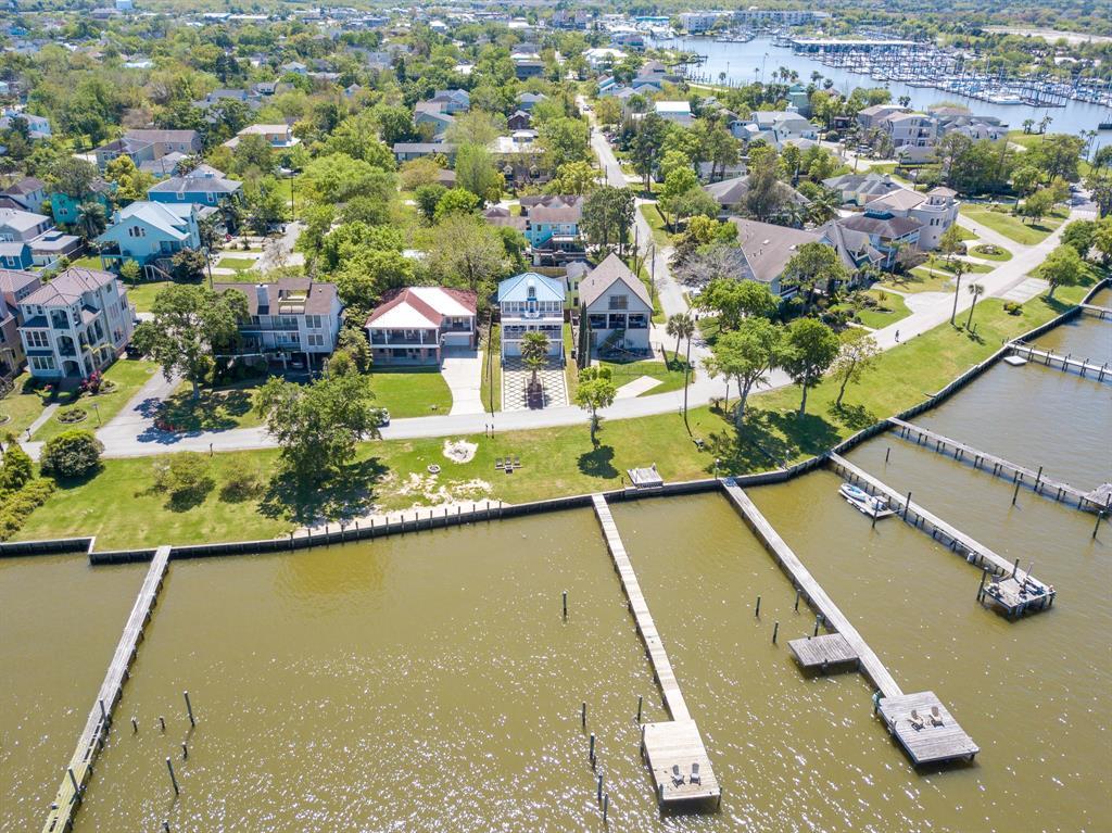 1111 N Shore Drive, Clear Lake Shores, TX 77565 - Clear Lake Shores, TX real estate listing