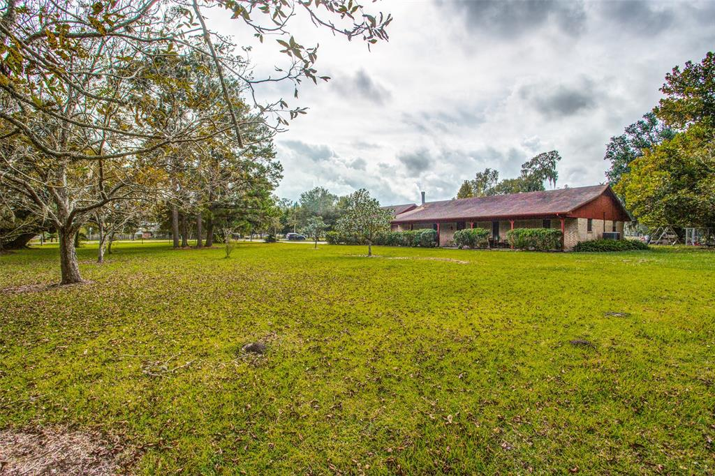 1004 County Road 452 Property Photo - Sweeny, TX real estate listing