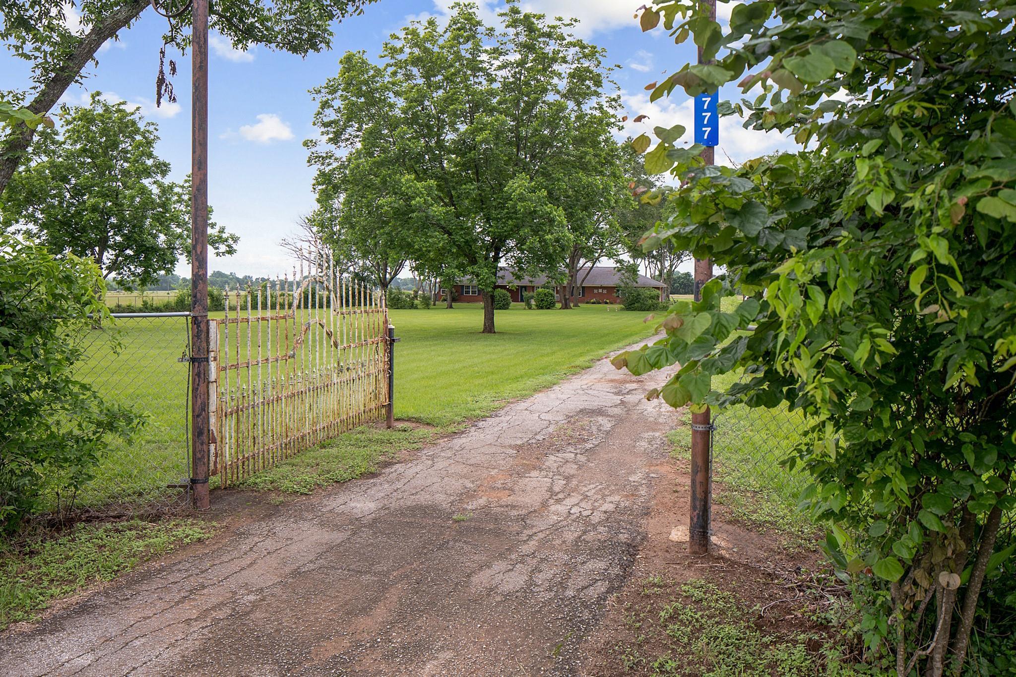 3777 W Highway 7 Property Photo