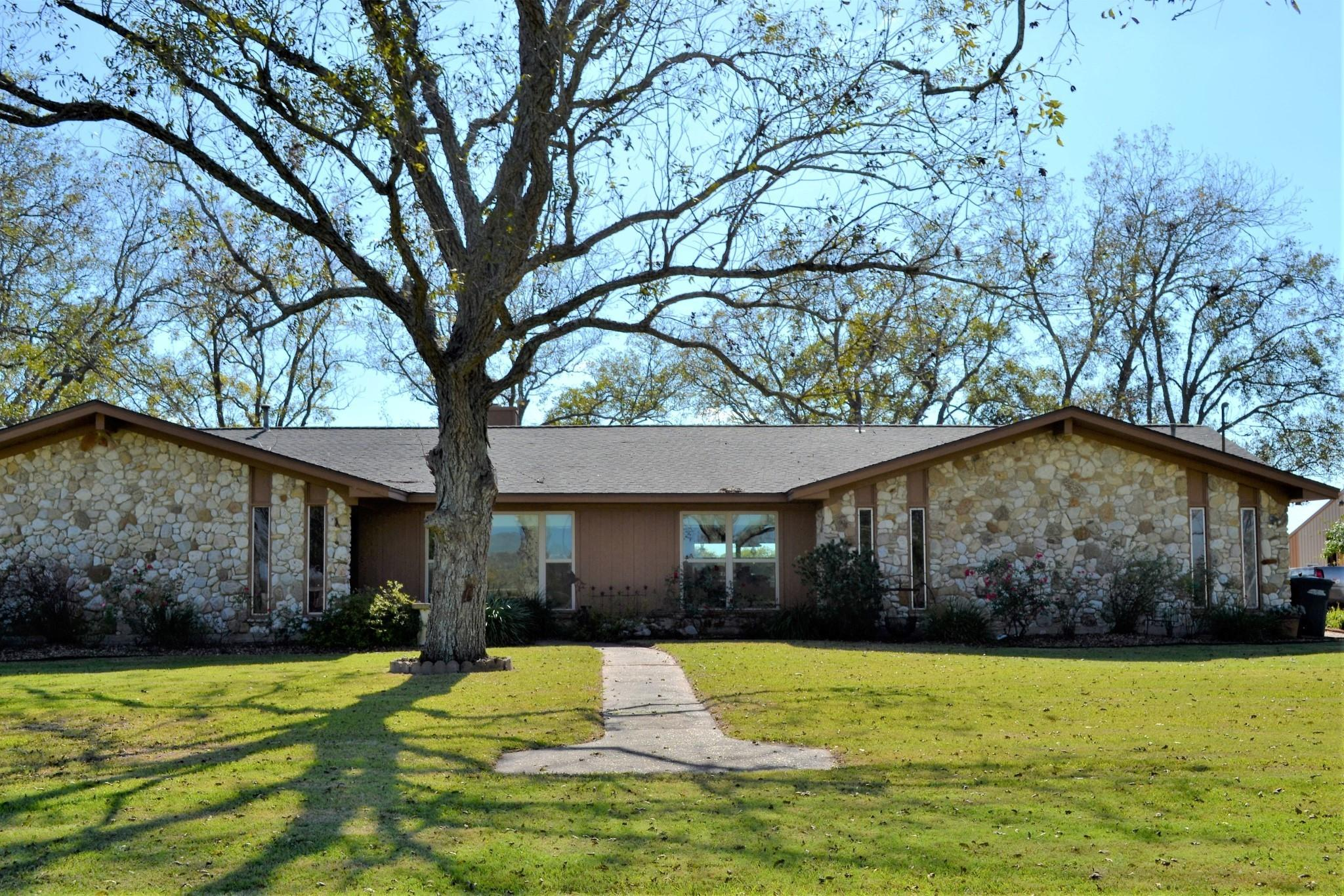 9748 County Road 160 Road Property Photo - Boling, TX real estate listing
