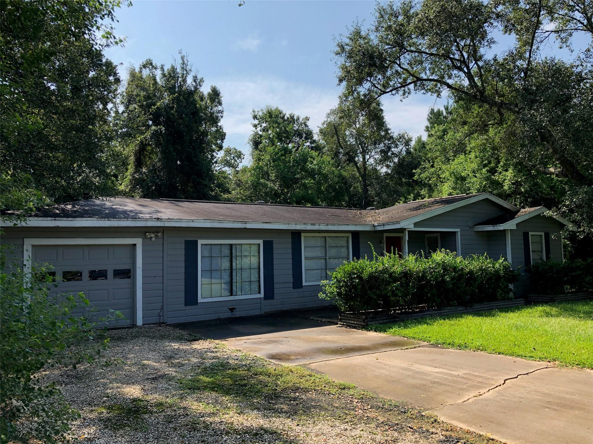 1030 Chatwood Street Property Photo - Bridge City, TX real estate listing