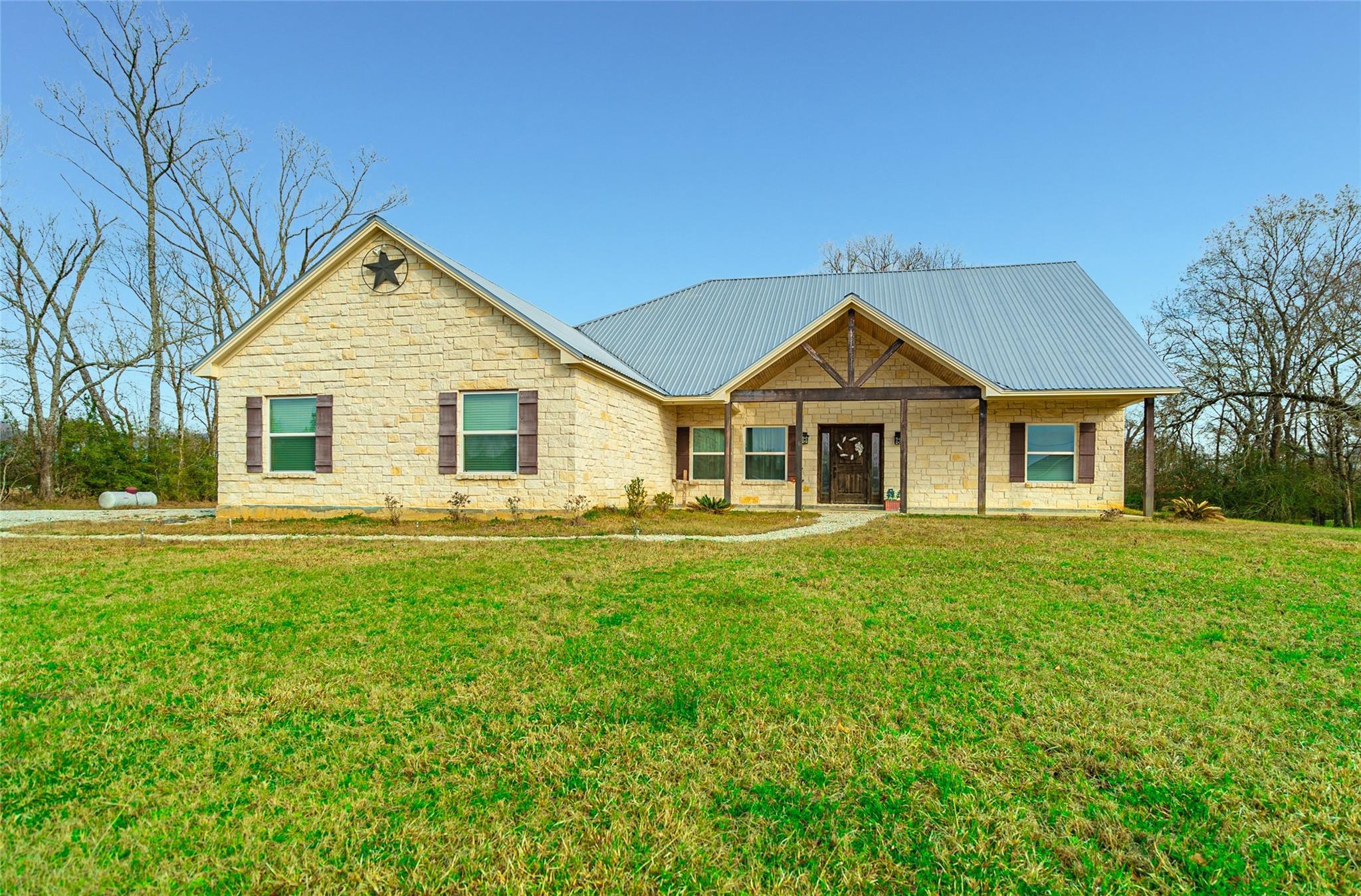 137 White Oak Loop Property Photo - Lufkin, TX real estate listing