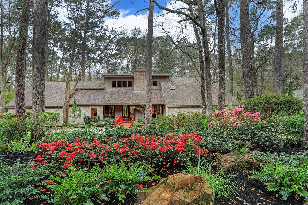 2615 Valley Manor Drive Property Photo - Kingwood, TX real estate listing