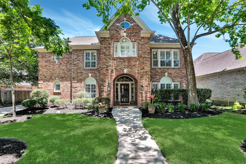 18318 Langsbury Drive Property Photo - Houston, TX real estate listing