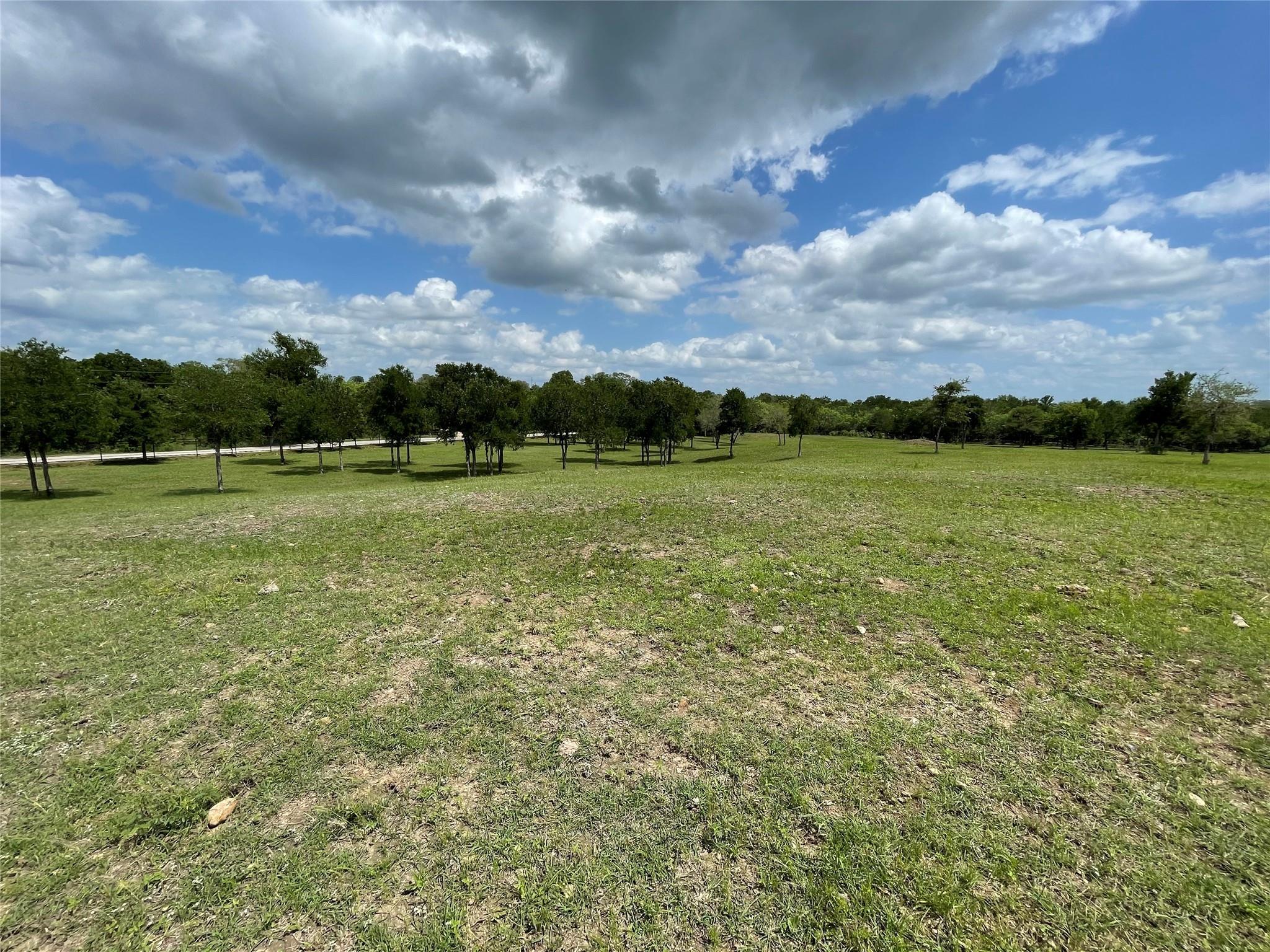 2575 Westwood Road Property Photo - Lockhart, TX real estate listing