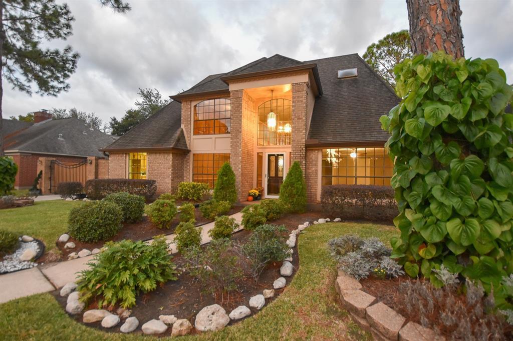 15635 Lake Lodge Drive, Houston, TX 77062 - Houston, TX real estate listing