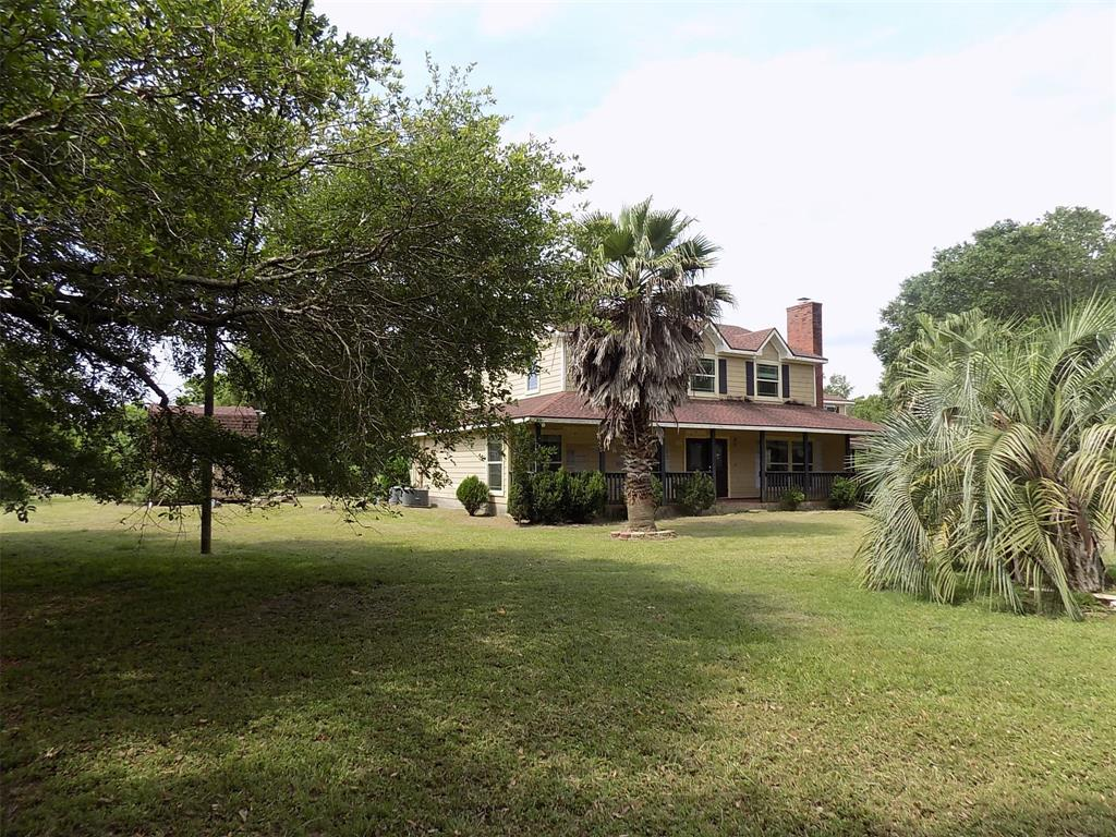 21703 Lake View Road Property Photo - Damon, TX real estate listing