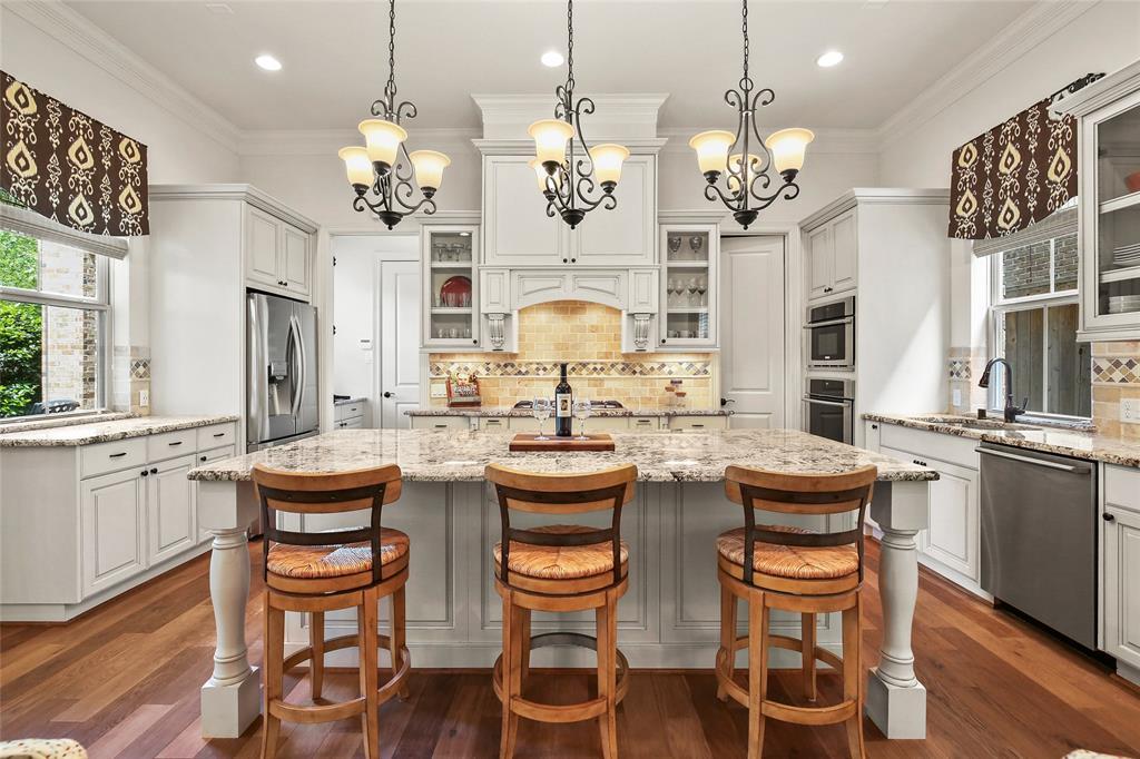 103 Bonnie Ridge Circle Property Photo - Shenandoah, TX real estate listing