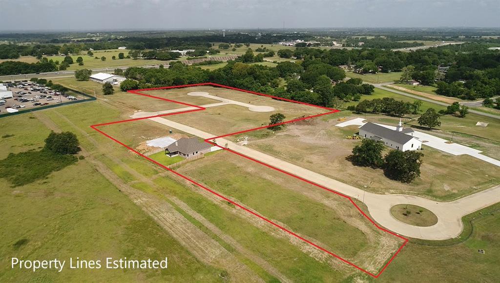1704 Twin Oaks Circle Property Photo - Brenham, TX real estate listing