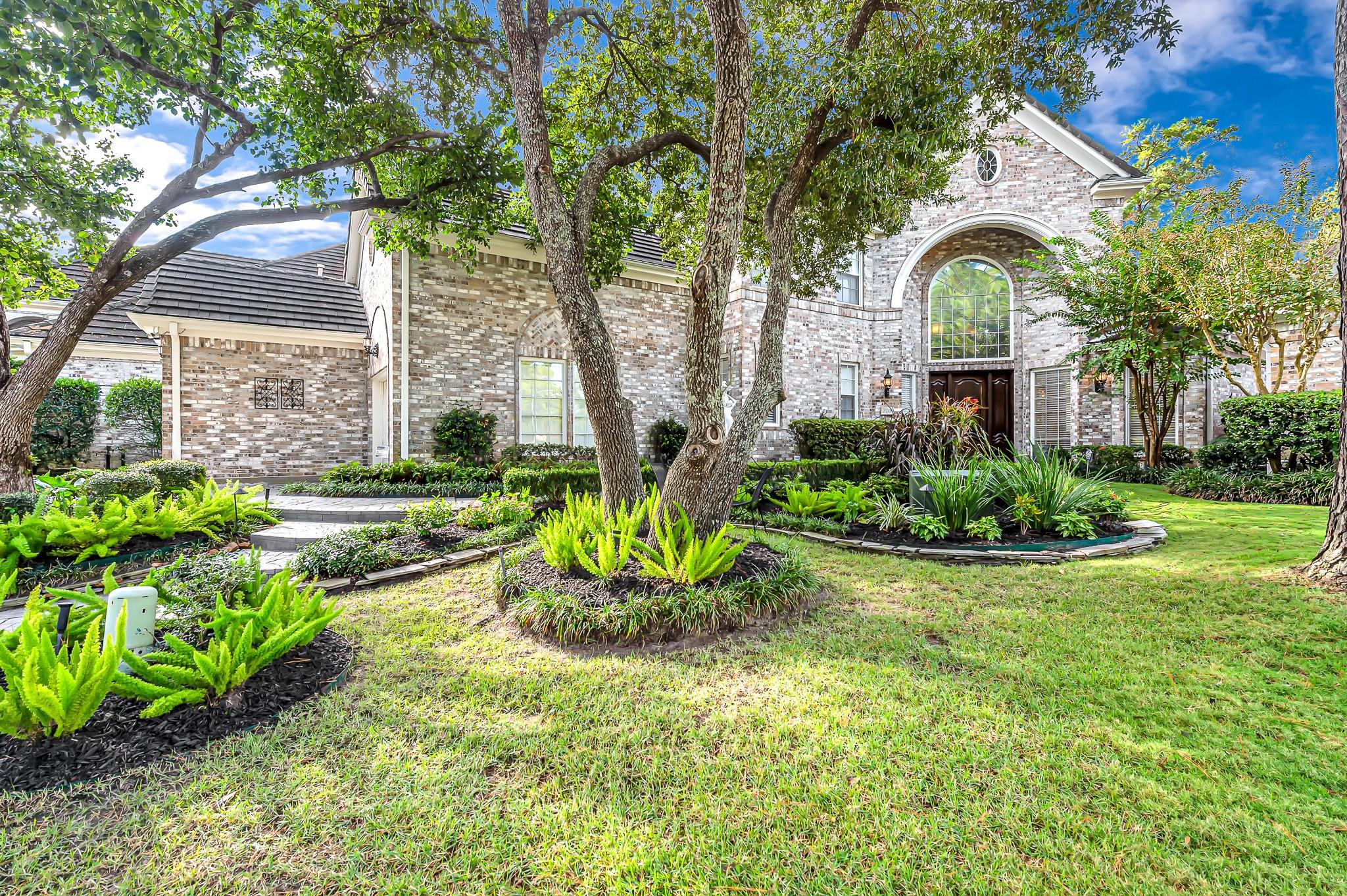 2715 S Southern Oaks Drive Property Photo - Houston, TX real estate listing