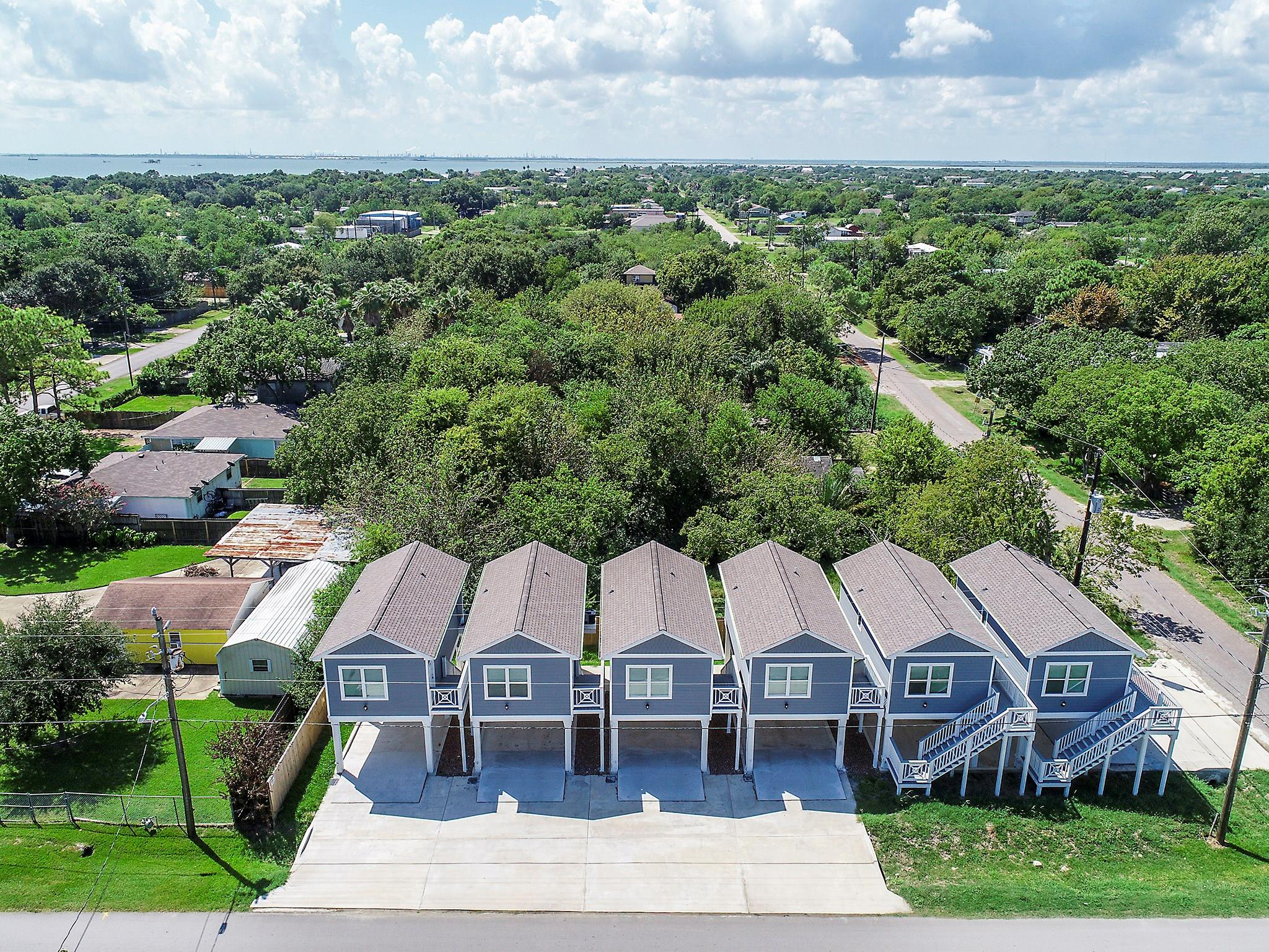 203 6th Street Property Photo - San Leon, TX real estate listing