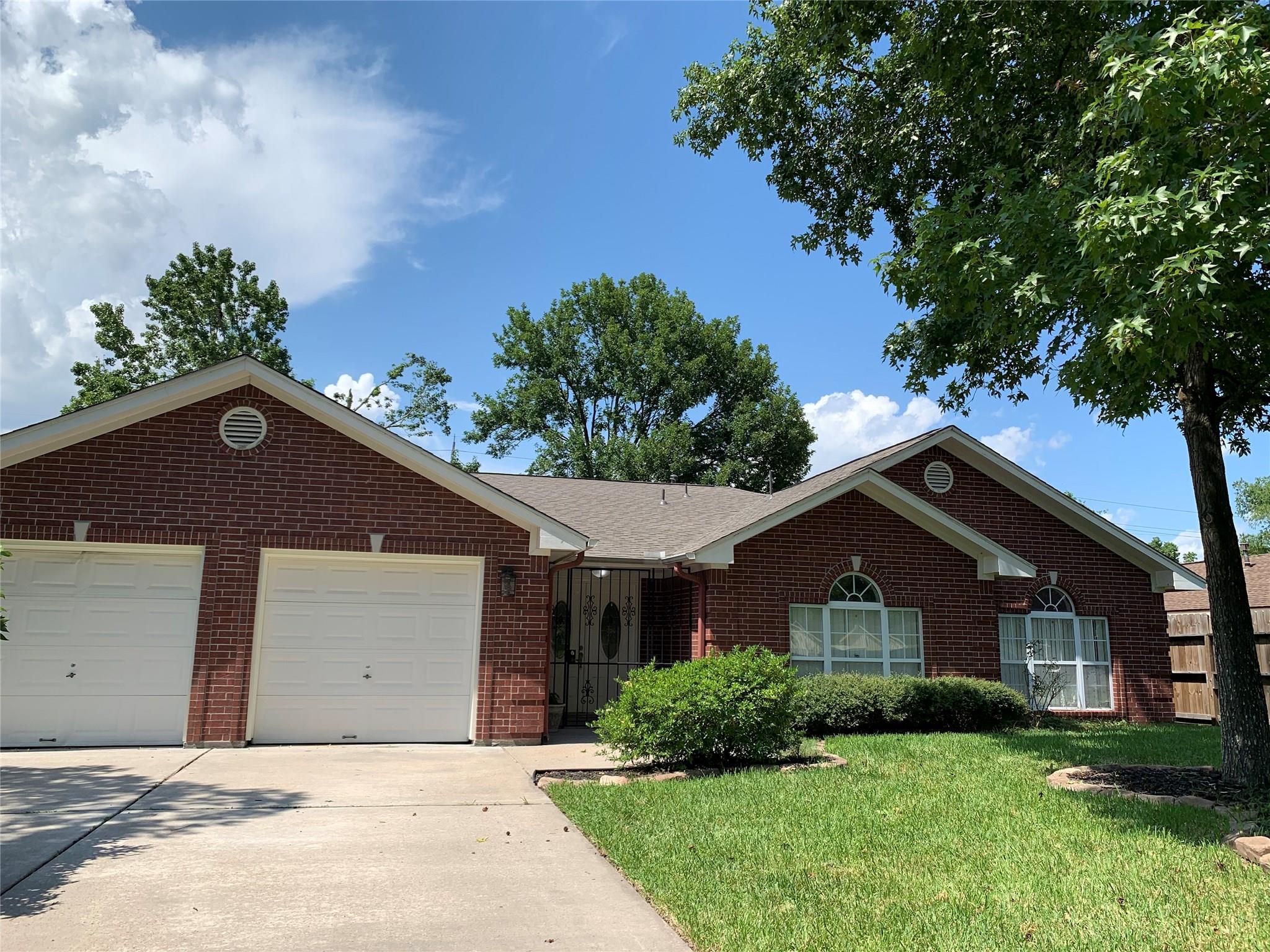 2623 Woodgate Street Property Photo - Houston, TX real estate listing