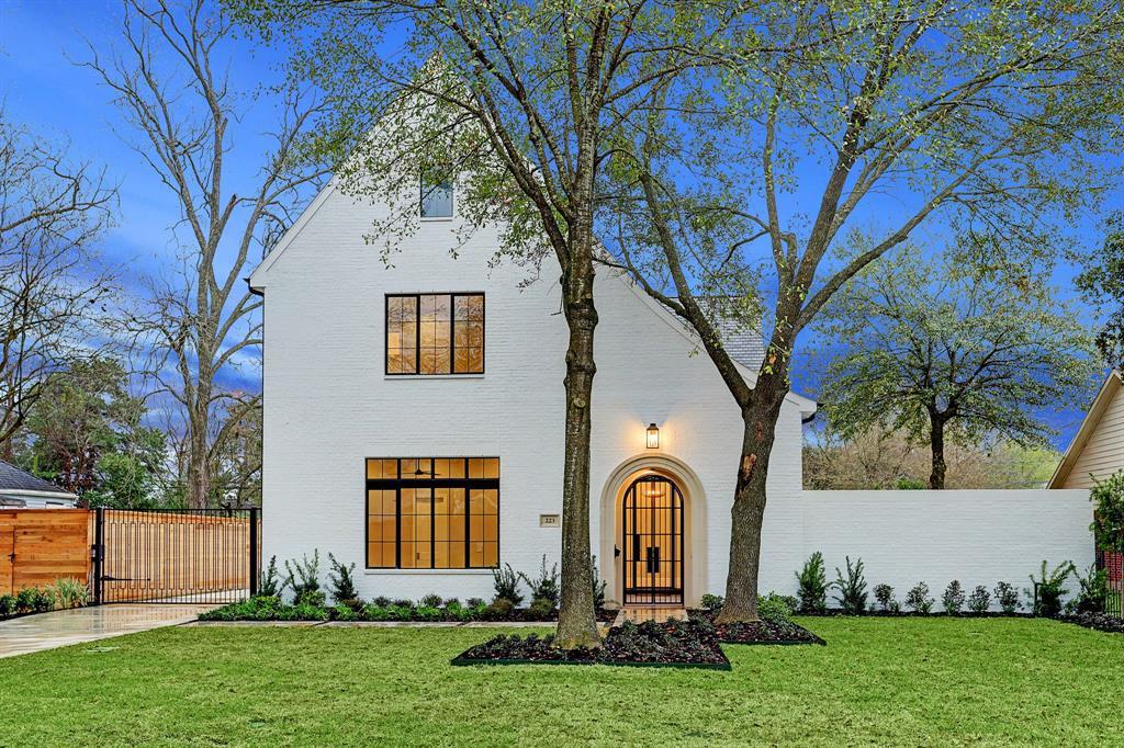 223 W 32nd Street, Houston, TX 77018 - Houston, TX real estate listing