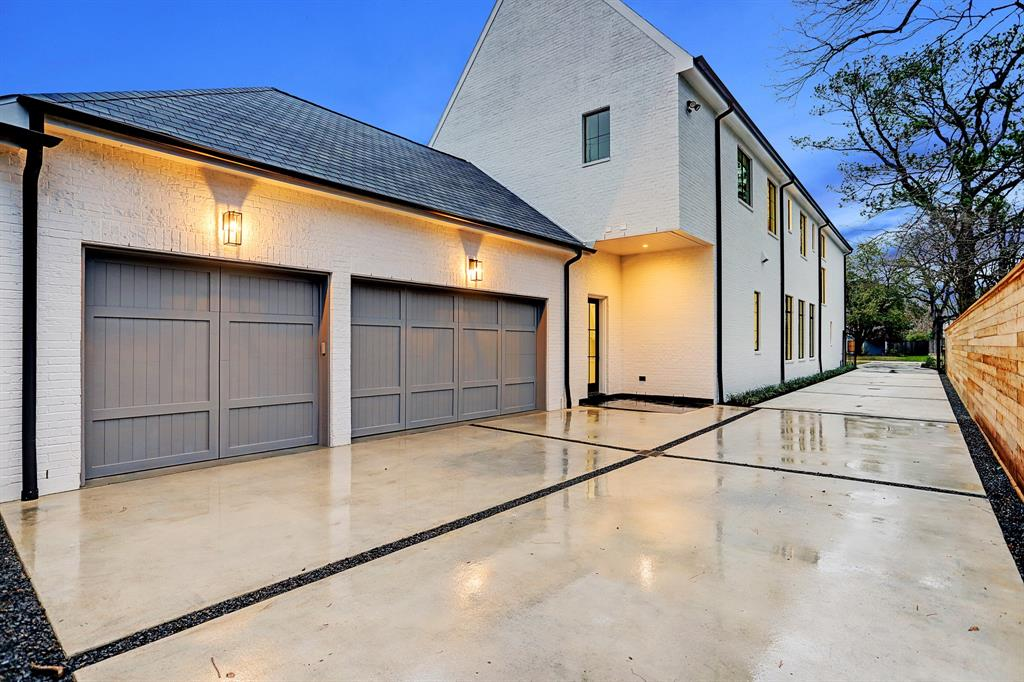 223 W 32nd Street Property Photo - Houston, TX real estate listing