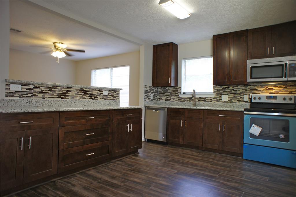 9214 Mcafee Drive Property Photo - Houston, TX real estate listing