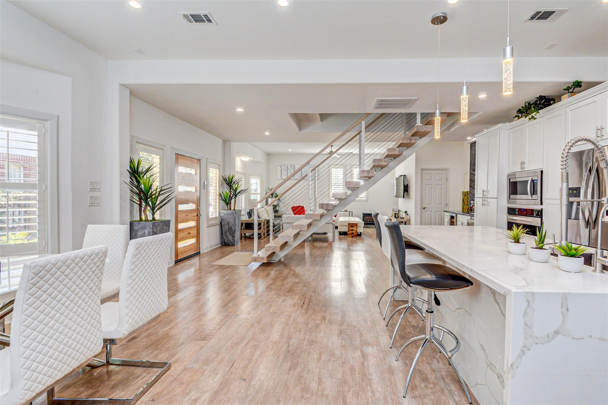 4230 Dartmouth Avenue Property Photo