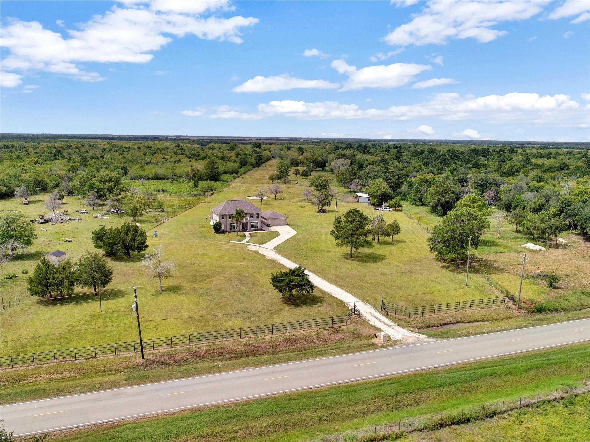 3230 County Road 203 Property Photo - Liverpool, TX real estate listing