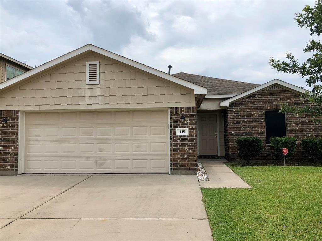 135 Tonkawa Canyon Drive Property Photo - La Marque, TX real estate listing