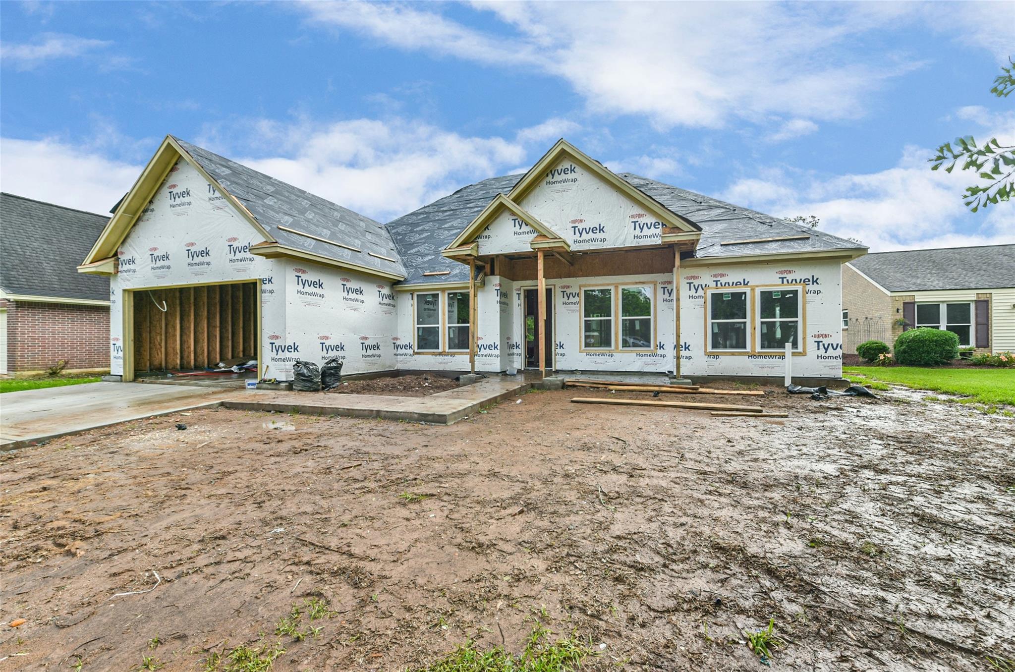 2190 Riverside Drive Property Photo
